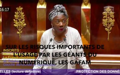 """Vidéo – """"Ce texte va à l'encontre de la protection de nos vies privées et de la démocratie"""""""