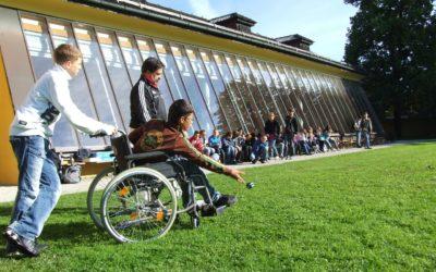 Question écrite au gouvernement sur la situationdégradée des accompagnant·e·s d'élèves en situation de handicap