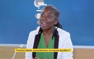 """Video – France info TV : """"Ce remaniement fait pschitt, la seule information est que le 1er Ministre a perdu son bras de fer"""""""